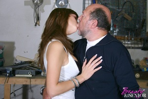 Old man young girl. Babe enjoys an older - XXX Dessert - Picture 8