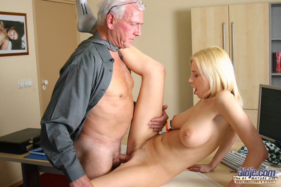 Teen fuck very man old