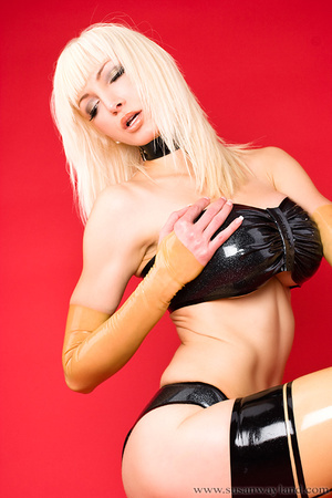 Latex galleries. Dressed to be Sexy. - XXX Dessert - Picture 12