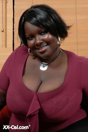 Girls with big boobs. Mariana Kodjo. - XXX Dessert - Picture 1