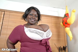 Girls with big boobs. Mariana Kodjo. - XXX Dessert - Picture 4
