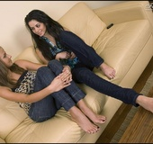 Legs xxx. Two cuties chatting barefoot.