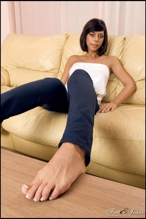 Foot lovers. Hot girl with smooth soles. - XXX Dessert - Picture 4