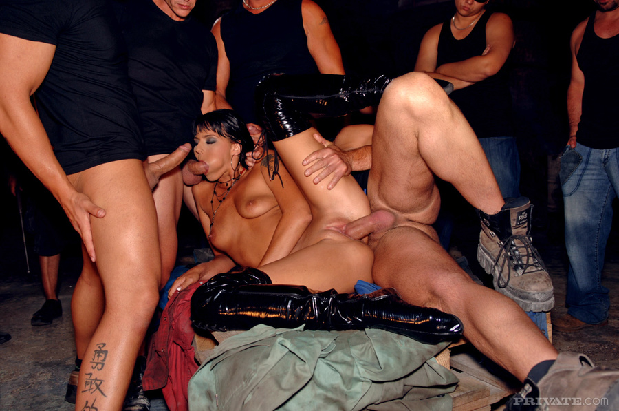 Girls Sucking Cock At Party
