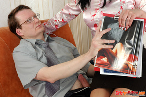 Old young. Office babe paying for her cu - XXX Dessert - Picture 4