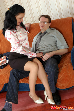 Old young. Office babe paying for her cu - XXX Dessert - Picture 5