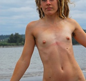 Hairy gallery. Ines is so sexy with her blond dreadlocks, furry bush and