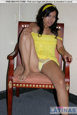 Naked latinas. Silvana in yellow dress. - XXX Dessert - Picture 4