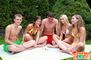 Sexy porn stars. Group of 5 teens playin - Picture 2