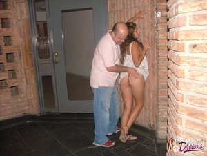 Public sex. Drunk chick lost control dur - XXX Dessert - Picture 6