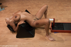 Fuckingmachines. Black babe with D cup t - XXX Dessert - Picture 14