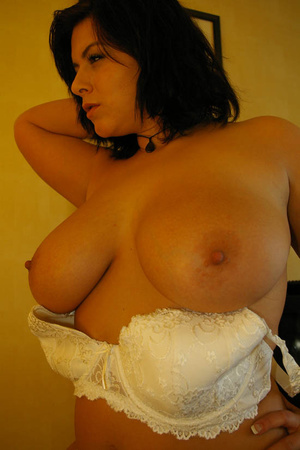 Big tits round. Sweetie showing off her  - XXX Dessert - Picture 11