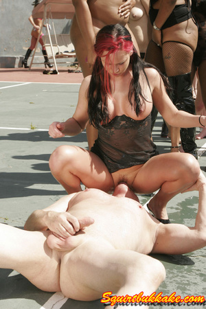 Free squirt. A lucky dude lay down and g - XXX Dessert - Picture 2