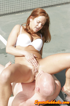 Free squirt. A lucky dude lay down and g - XXX Dessert - Picture 3