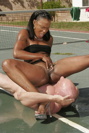 Free squirt. A lucky dude lay down and g - XXX Dessert - Picture 11