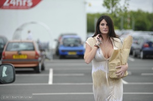 Dark haired girl going messy in the kitc - XXX Dessert - Picture 8