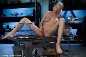 Extreme sex machines. Brand new amatuer  - XXX Dessert - Picture 2