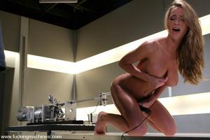 Sex machine porn. Sammie Rhodes natural  - XXX Dessert - Picture 10