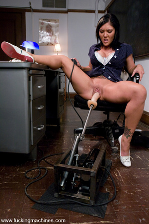 Girls sex machines. BDSM Pics. - XXX Dessert - Picture 1