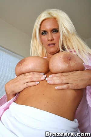 Girls with big tits. Big Juggs fucks the - XXX Dessert - Picture 2