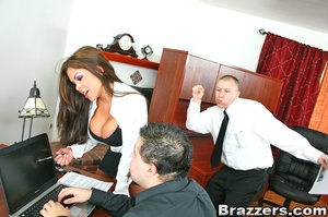 Big tits xxx. Hunter Bryce forced into i - XXX Dessert - Picture 5