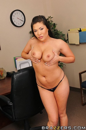 Tits. Horny slut enjoys fucking in the o - XXX Dessert - Picture 4