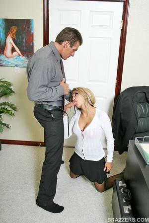 Huge boobs. Carmel Moore the busty profe - XXX Dessert - Picture 3