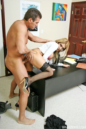 Huge boobs. Carmel Moore the busty profe - XXX Dessert - Picture 9